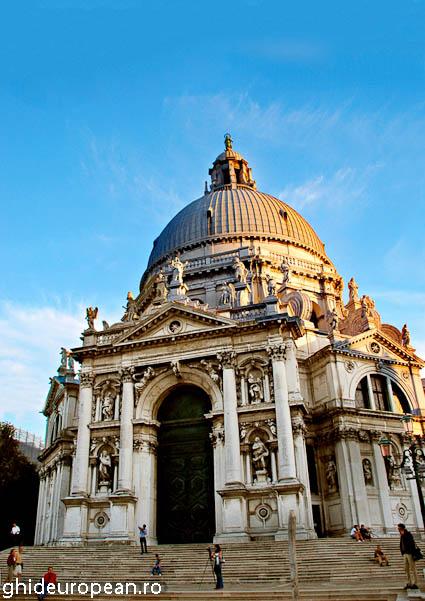 16 Basilica di Santa Maria della Salute
