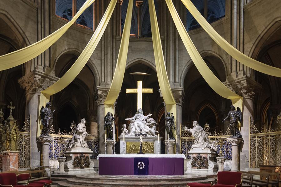 Cathedrale_Notre-Dame_de_Paris_maitre-autel