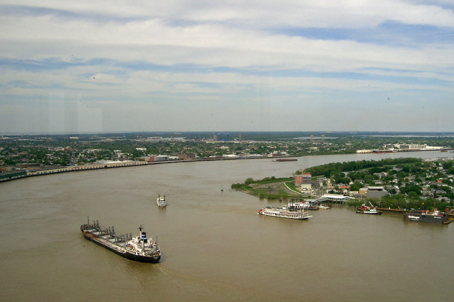 Mississippi-River-New-Orleans-2006-a