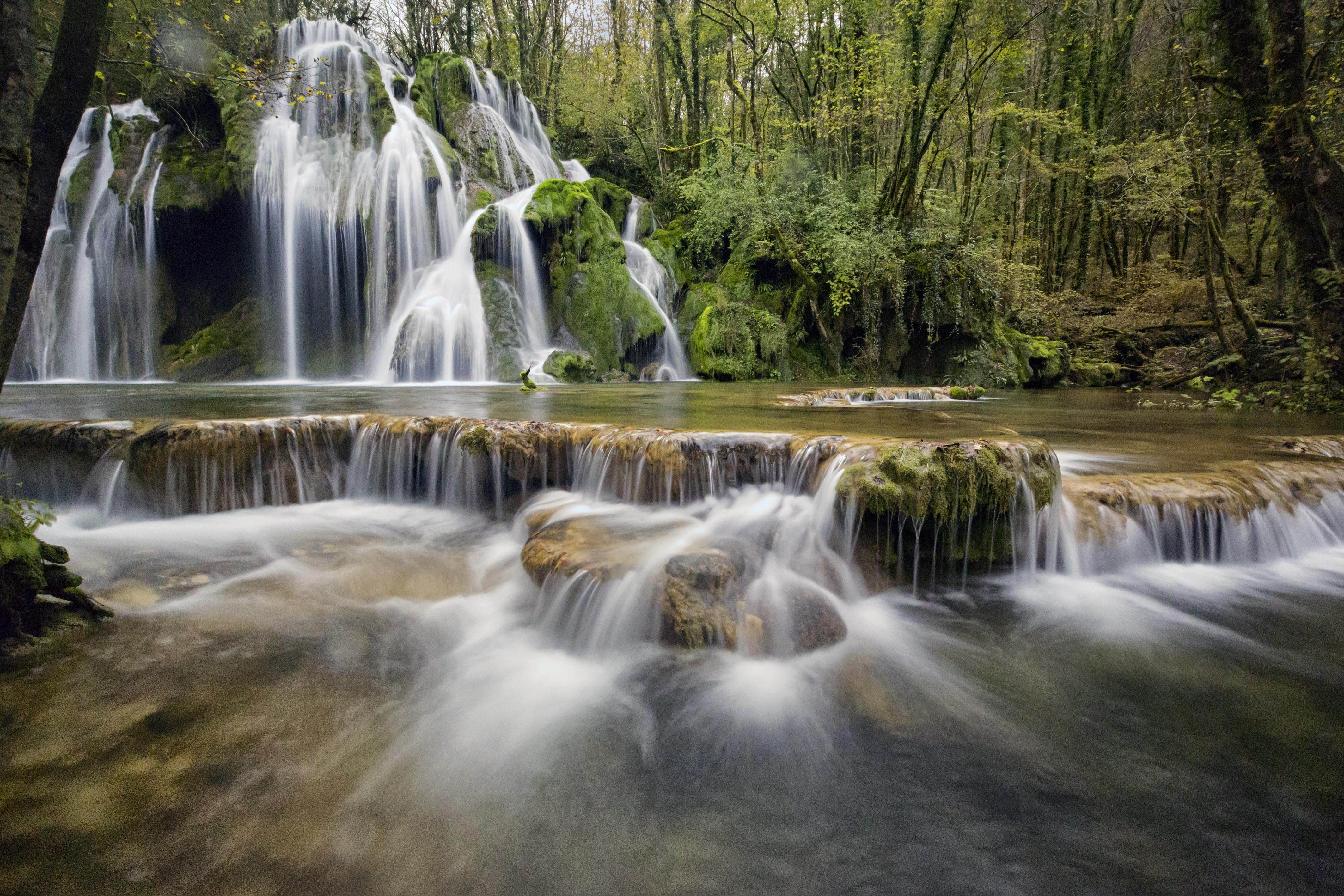 waterfalls-1144130