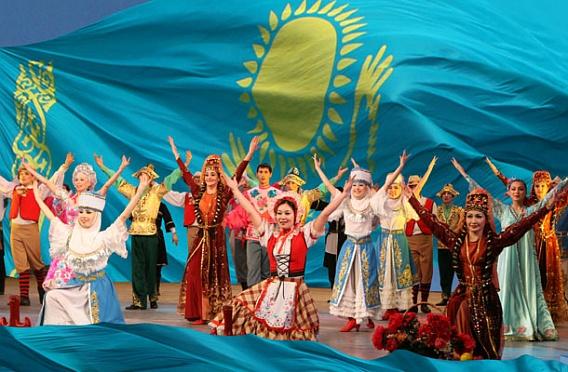 den_yazykov_naroda_kazakhstana