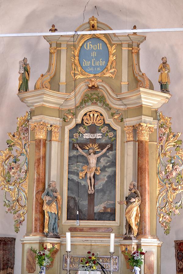 biserica-fortificata-evangelica-harman-2