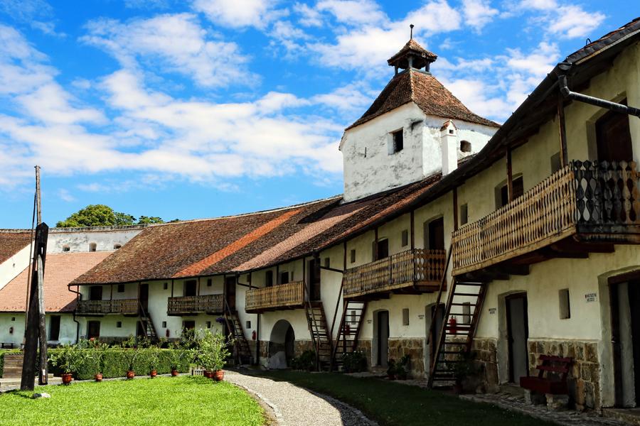 biserica-fortificata-evangelica-harman-5